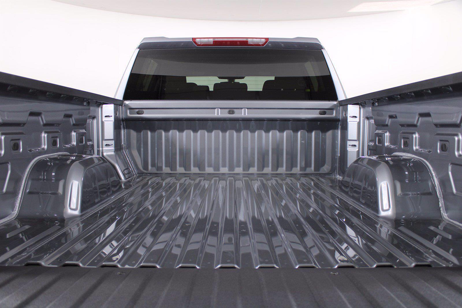 2021 Chevrolet Silverado 1500 Crew Cab 4x4, Pickup #D111136 - photo 9