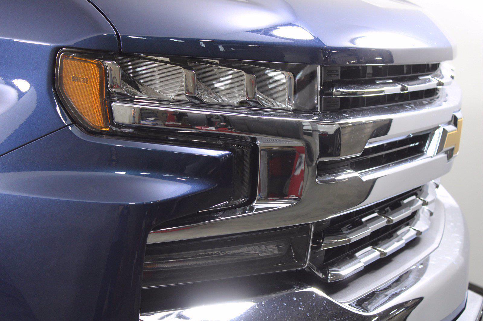 2021 Chevrolet Silverado 1500 Crew Cab 4x4, Pickup #D111155 - photo 5