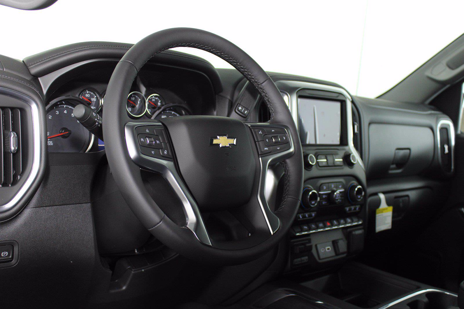 2021 Chevrolet Silverado 1500 Crew Cab 4x4, Pickup #D111157 - photo 10