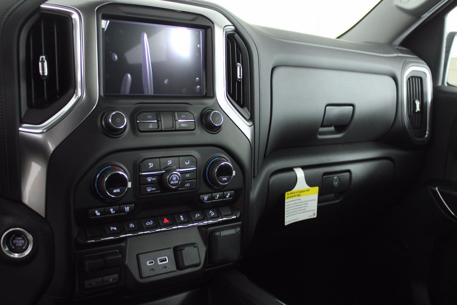 2021 Chevrolet Silverado 1500 Crew Cab 4x4, Pickup #D111157 - photo 12