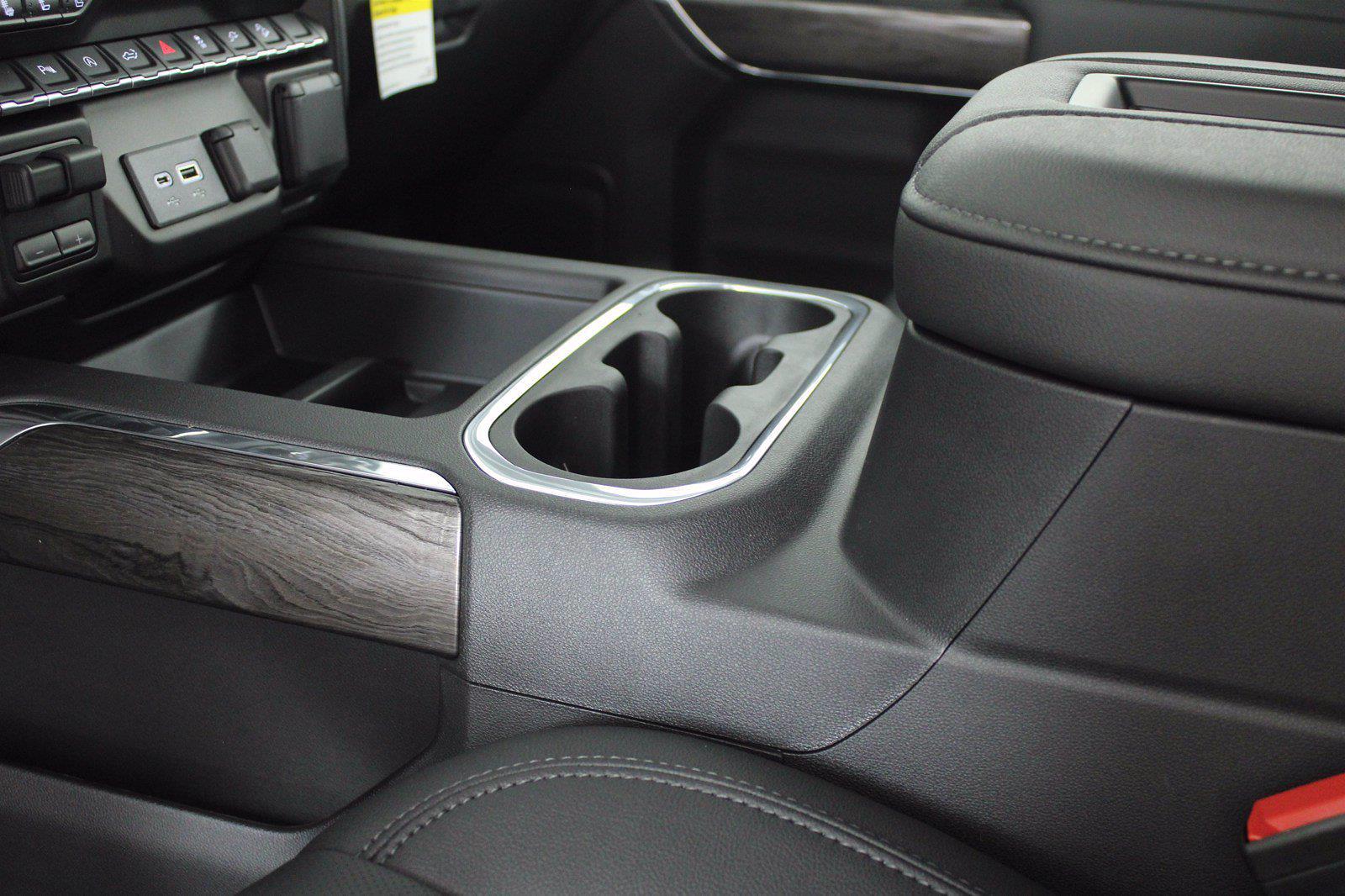 2021 Chevrolet Silverado 1500 Crew Cab 4x4, Pickup #D111157 - photo 13