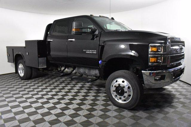2019 Silverado Medium Duty Crew Cab DRW 4x4, Platform Body #D191021 - photo 5