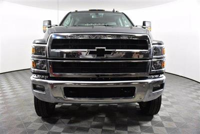 2019 Silverado Medium Duty Crew Cab DRW 4x4, Platform Body #D191021 - photo 4