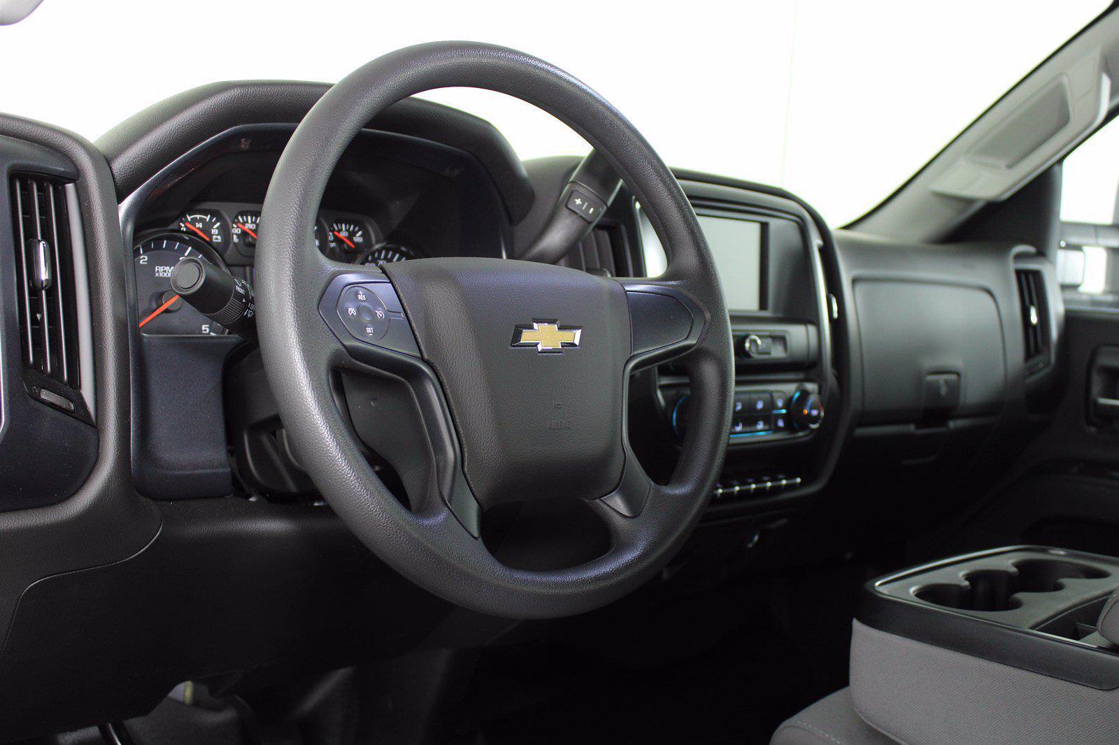 2019 Chevrolet Silverado 5500 DRW 4x2, Cab Chassis #D191062 - photo 14