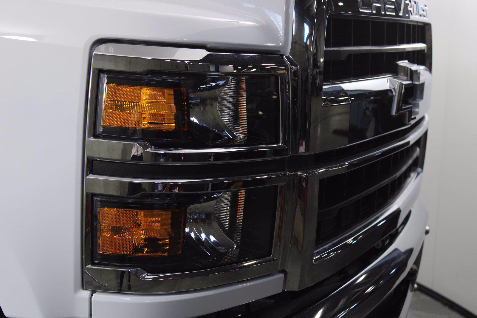 2019 Chevrolet Silverado 5500 DRW 4x2, Cab Chassis #D191062 - photo 12