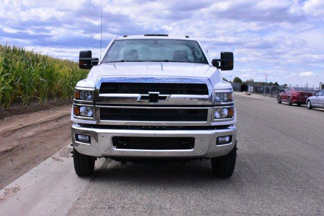 2019 Chevrolet Silverado Medium Duty Regular Cab DRW 4x2, Cab Chassis #D191113 - photo 3