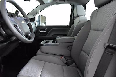 2019 Chevrolet Silverado 5500 DRW 4x2, Cab Chassis #D191281 - photo 10