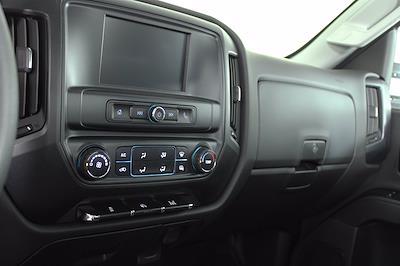 2019 Chevrolet Silverado 5500 DRW 4x2, Cab Chassis #D191281 - photo 17