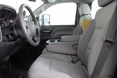 2019 Chevrolet Silverado 5500 DRW 4x2, Cab Chassis #D191281 - photo 19