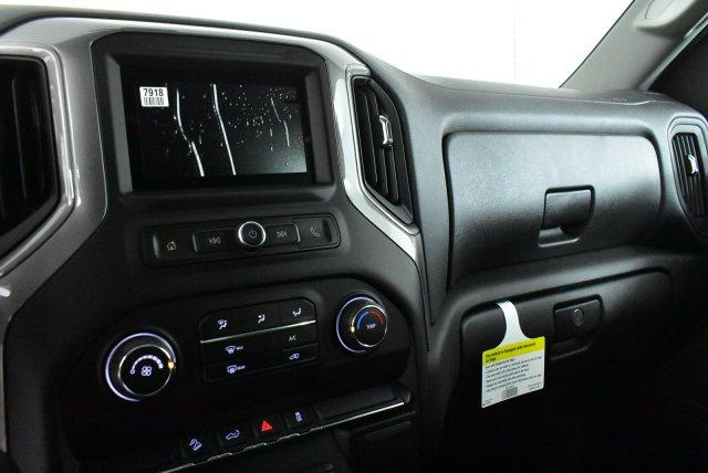 2019 Silverado 1500 Crew Cab 4x4, Pickup #D191313 - photo 10