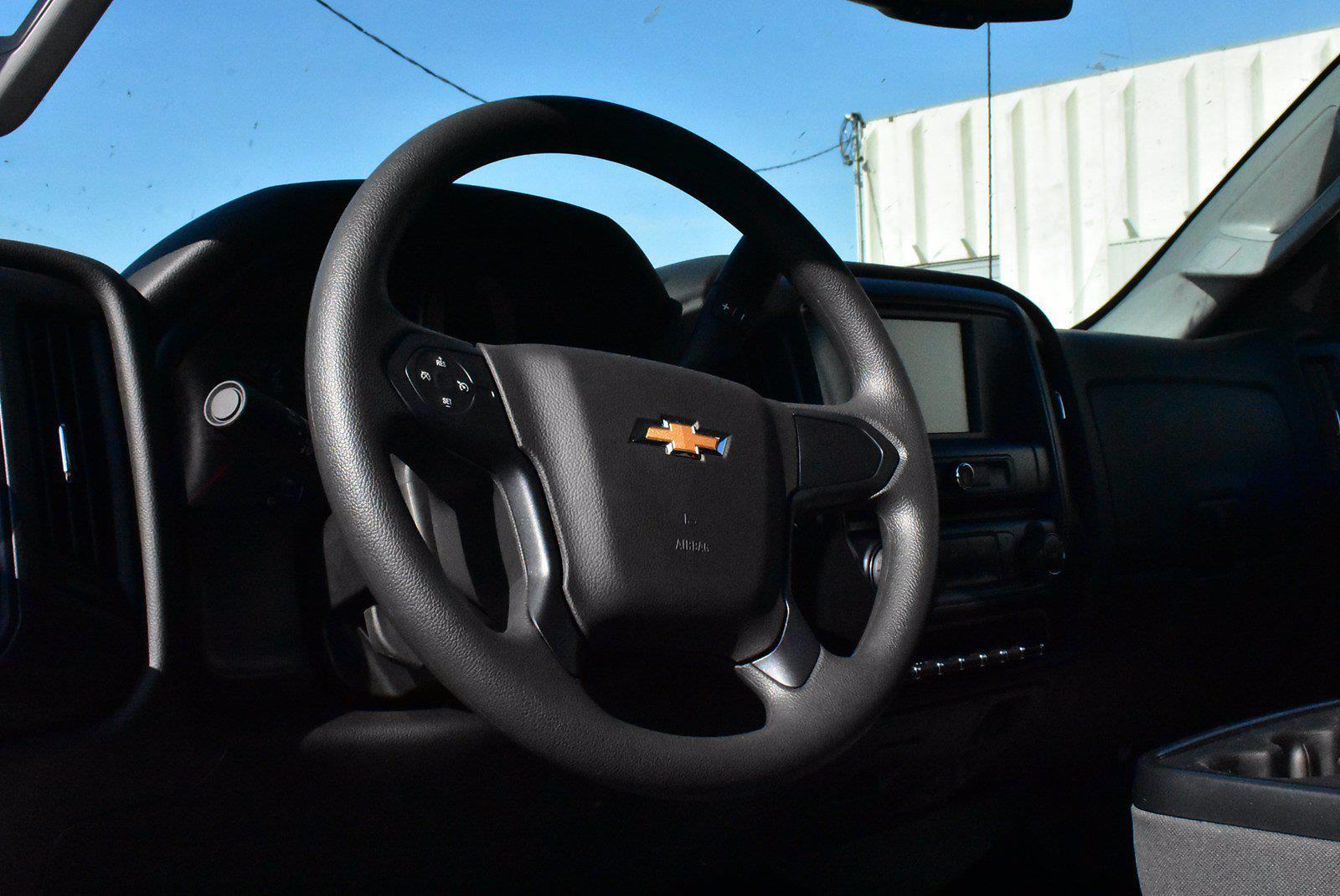 2019 Chevrolet Silverado 6500 DRW 4x4, Cab Chassis #D191433 - photo 6