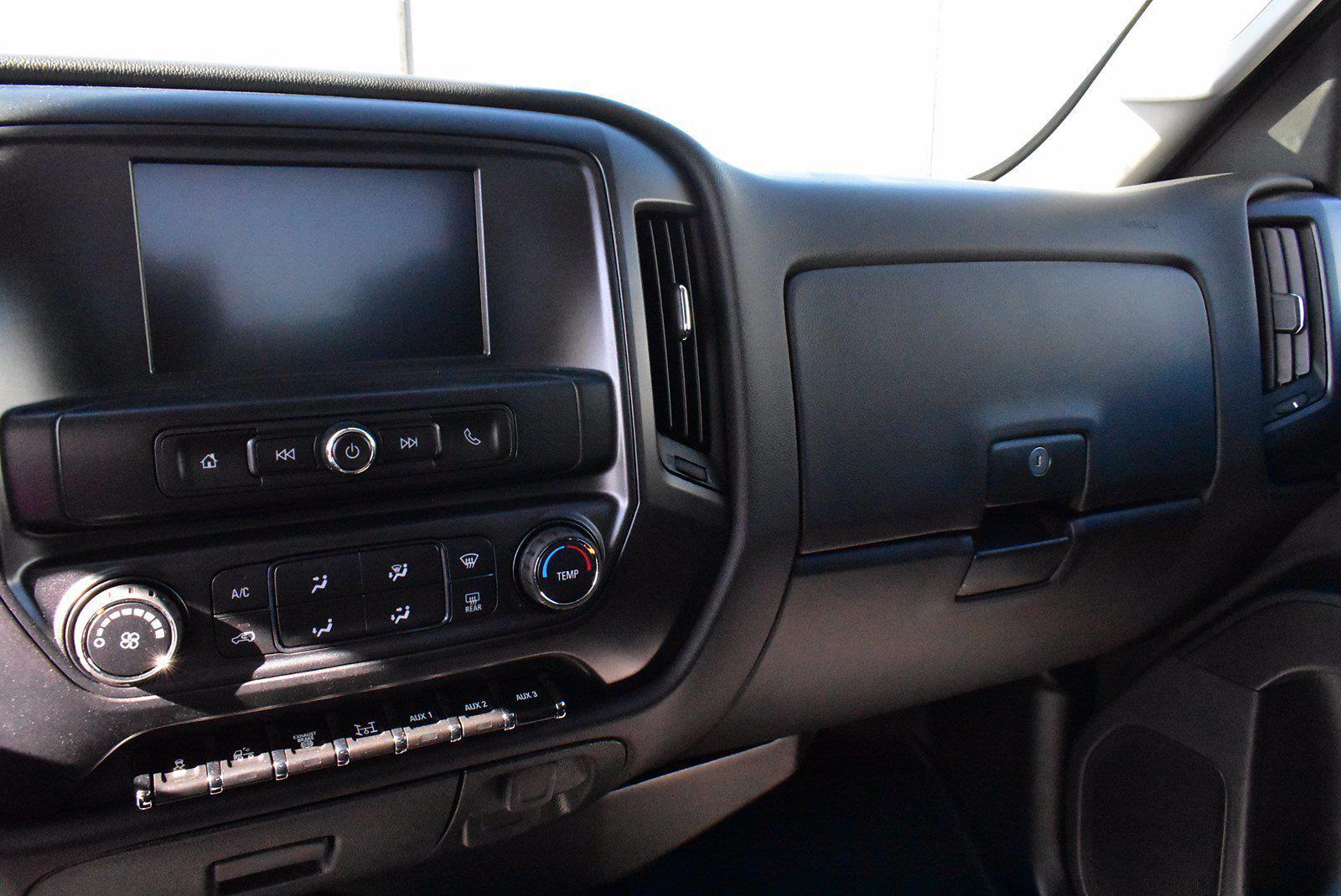 2019 Chevrolet Silverado 6500 DRW 4x4, Cab Chassis #D191433 - photo 8