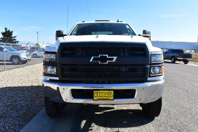 2019 Chevrolet Silverado Medium Duty Crew Cab DRW 4x4, Cab Chassis #D191433 - photo 3