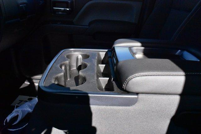 2019 Chevrolet Silverado Medium Duty Crew Cab DRW 4x4, Cab Chassis #D191433 - photo 7
