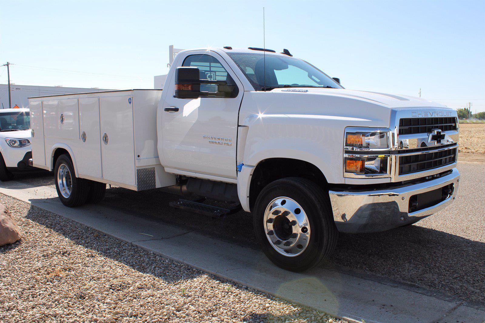 2019 Chevrolet Silverado 5500 DRW 4x2, Royal Truck Body Service Body #D191446 - photo 3