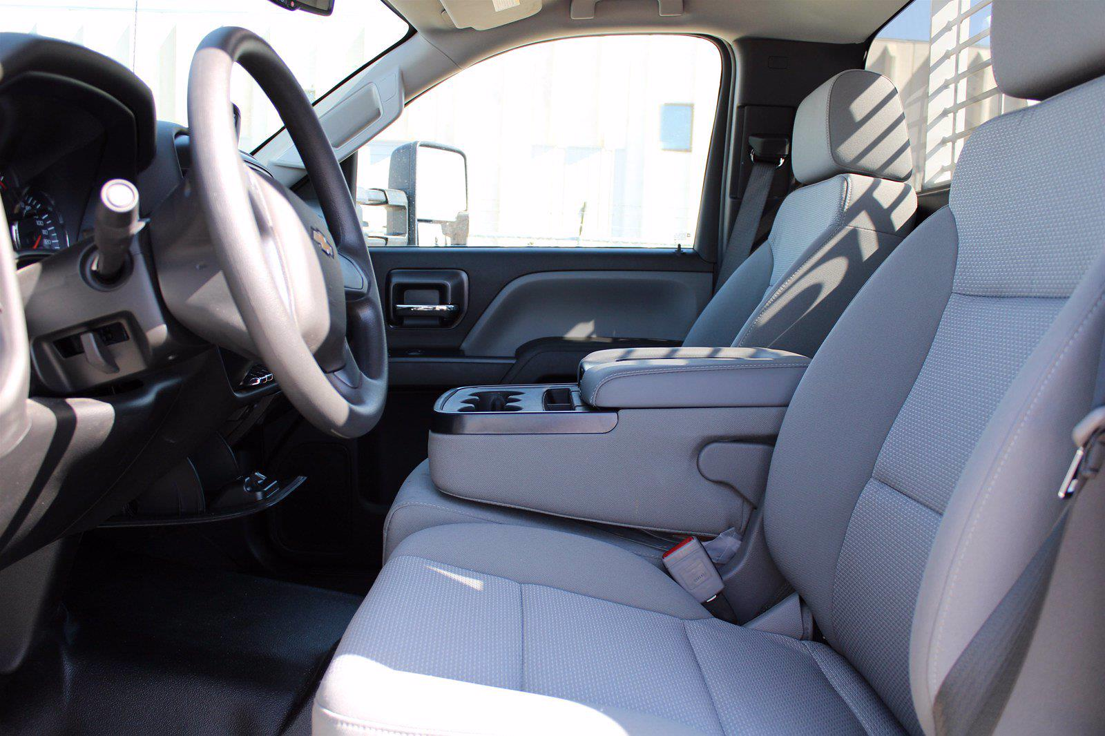 2019 Chevrolet Silverado 5500 DRW 4x2, Royal Truck Body Service Body #D191446 - photo 9