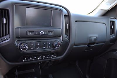 2019 Chevrolet Silverado 5500 DRW 4x2, Royal Truck Body Service Body #D191446 - photo 7