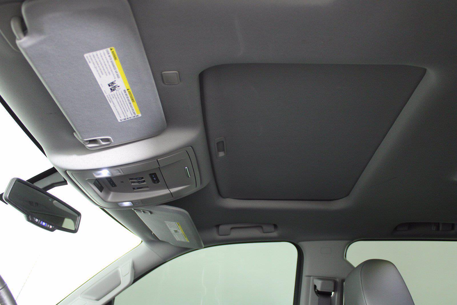 2017 Chevrolet Silverado 1500 Crew Cab 4x4, Pickup #D410436A - photo 9