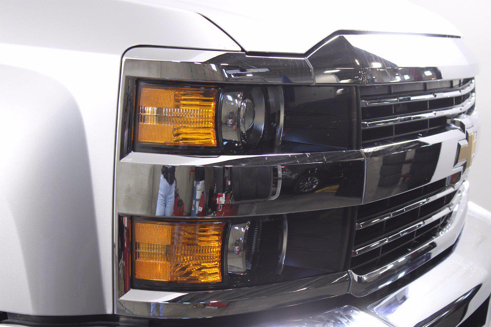 2019 Silverado 3500 Crew Cab 4x4,  Pickup #D420022A - photo 4