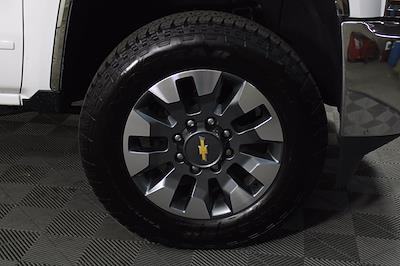 2016 Chevrolet Silverado 2500 Crew Cab 4x4, Pickup #DAC0054 - photo 11