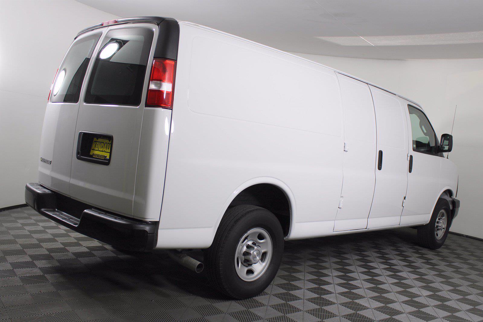 2017 Chevrolet Express 2500 4x2, Empty Cargo Van #DAC0339 - photo 2