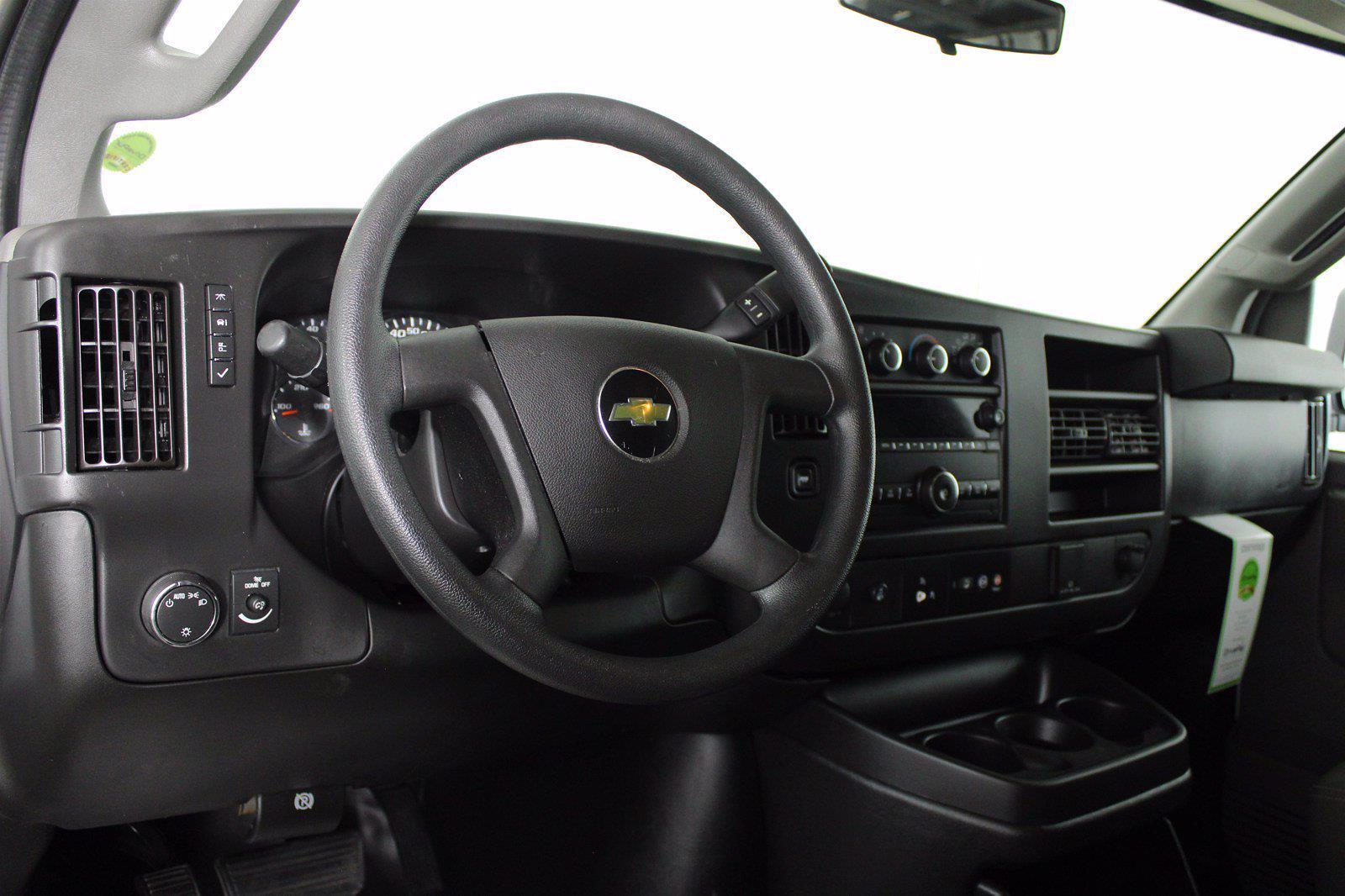 2017 Chevrolet Express 2500 4x2, Empty Cargo Van #DAC0339 - photo 5