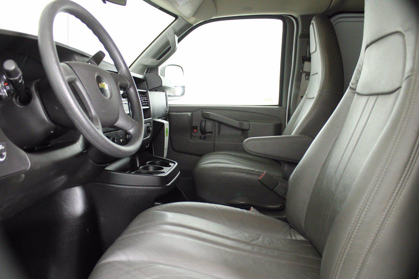 2017 Chevrolet Express 2500 4x2, Empty Cargo Van #DAC0339 - photo 6