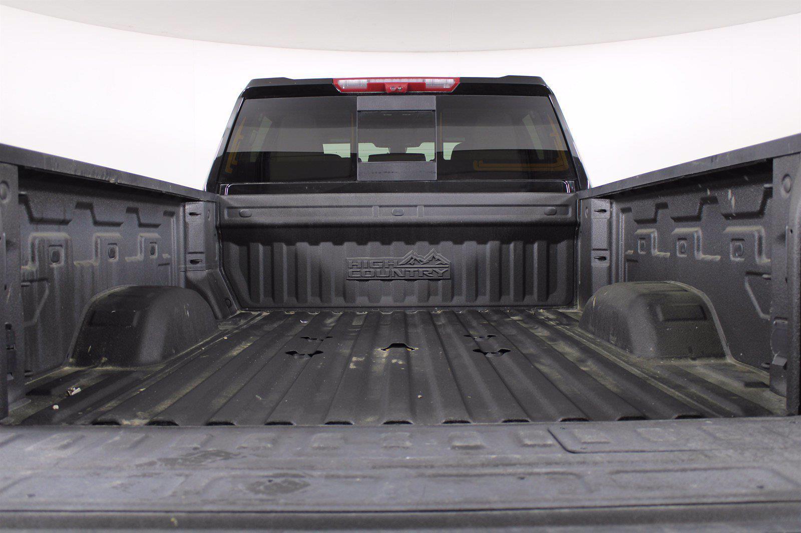 2020 Chevrolet Silverado 3500 Crew Cab 4x4, Pickup #DAZ0421 - photo 2