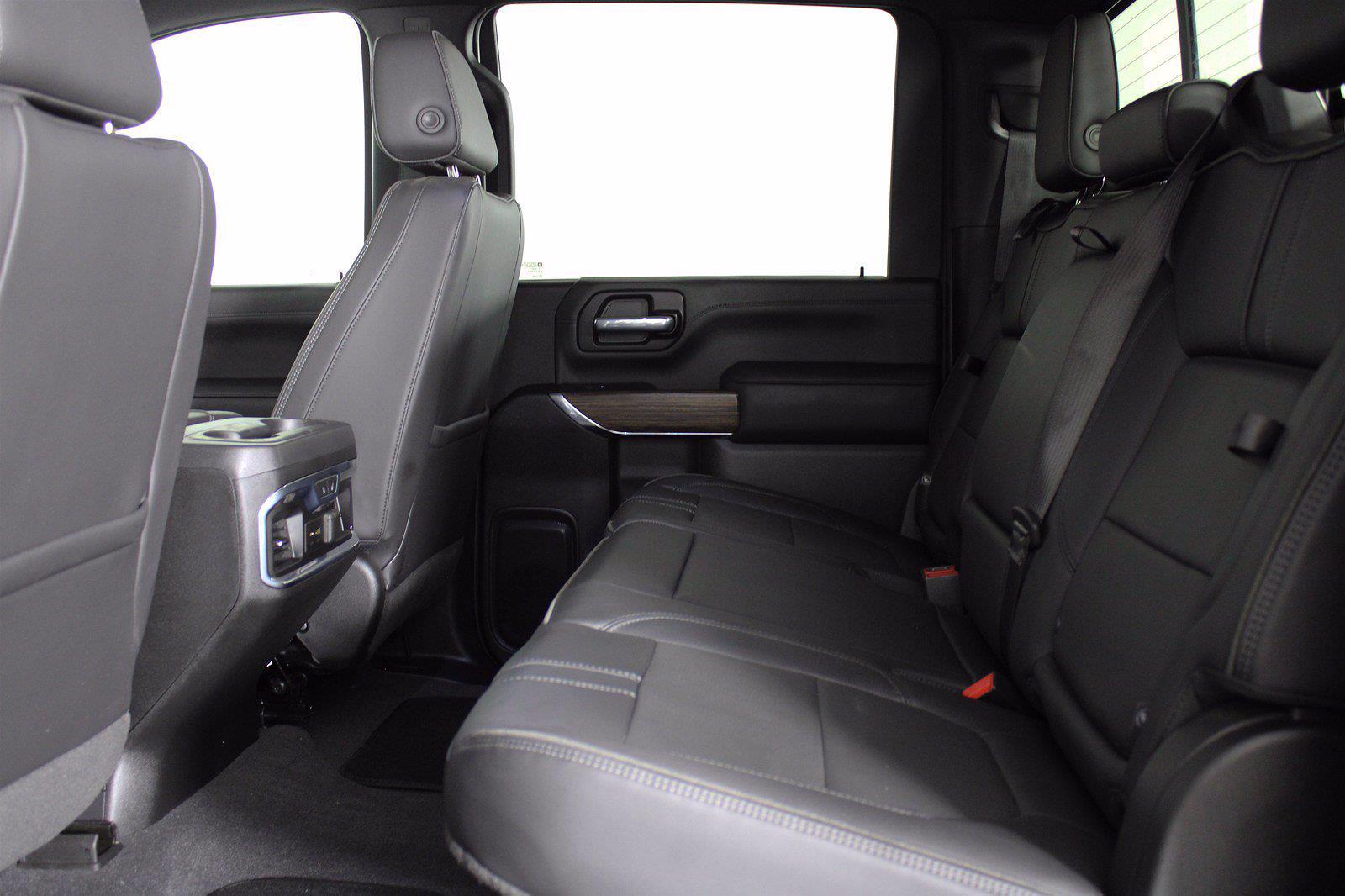 2020 Chevrolet Silverado 3500 Crew Cab 4x4, Pickup #DAZ0421 - photo 3