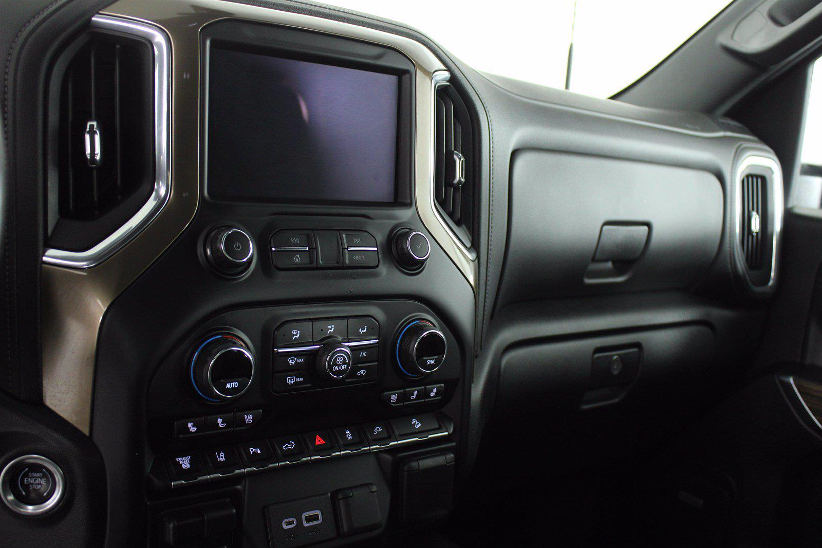 2020 Chevrolet Silverado 3500 Crew Cab 4x4, Pickup #DAZ0421 - photo 6