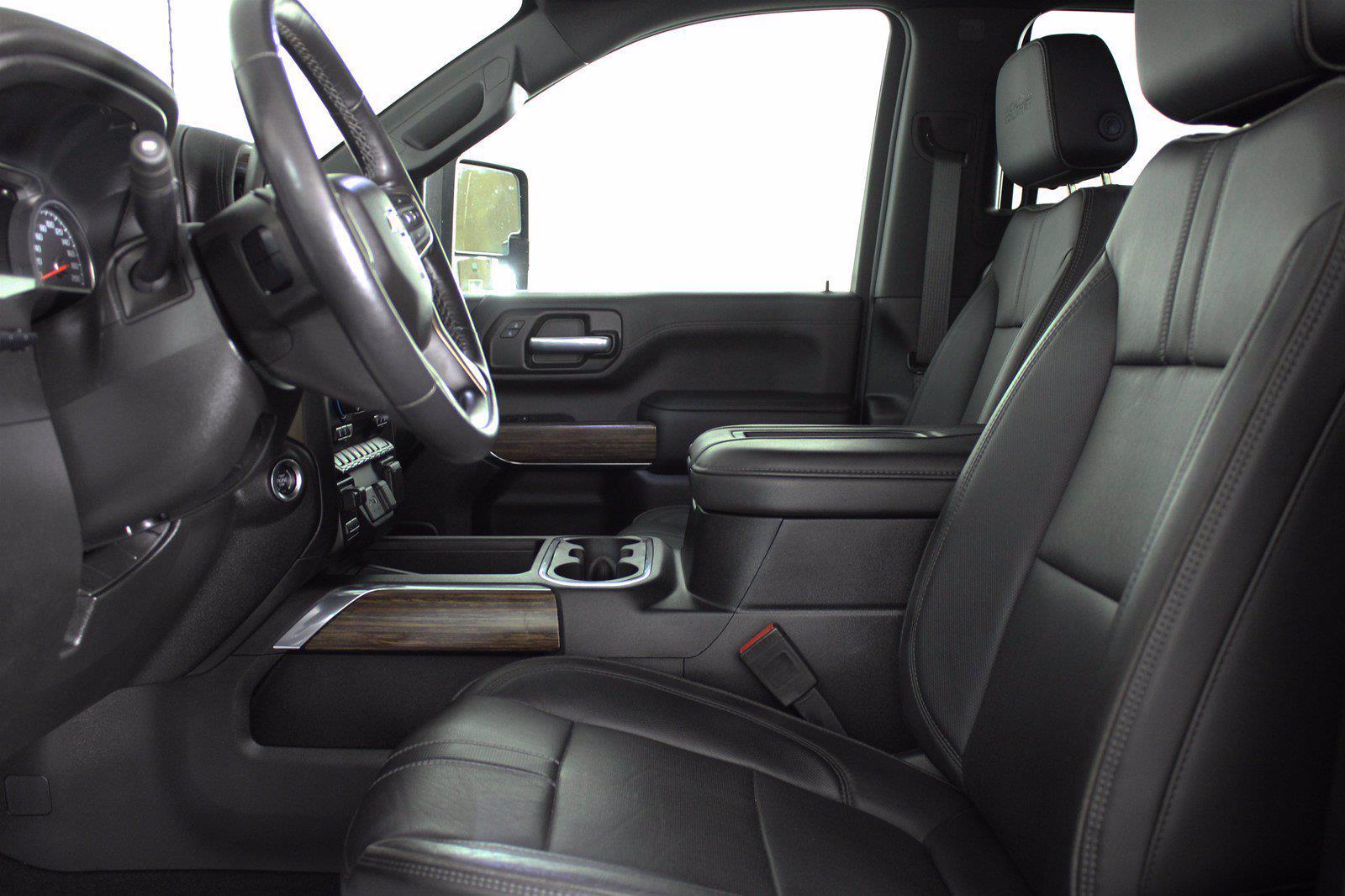 2020 Chevrolet Silverado 3500 Crew Cab 4x4, Pickup #DAZ0421 - photo 5