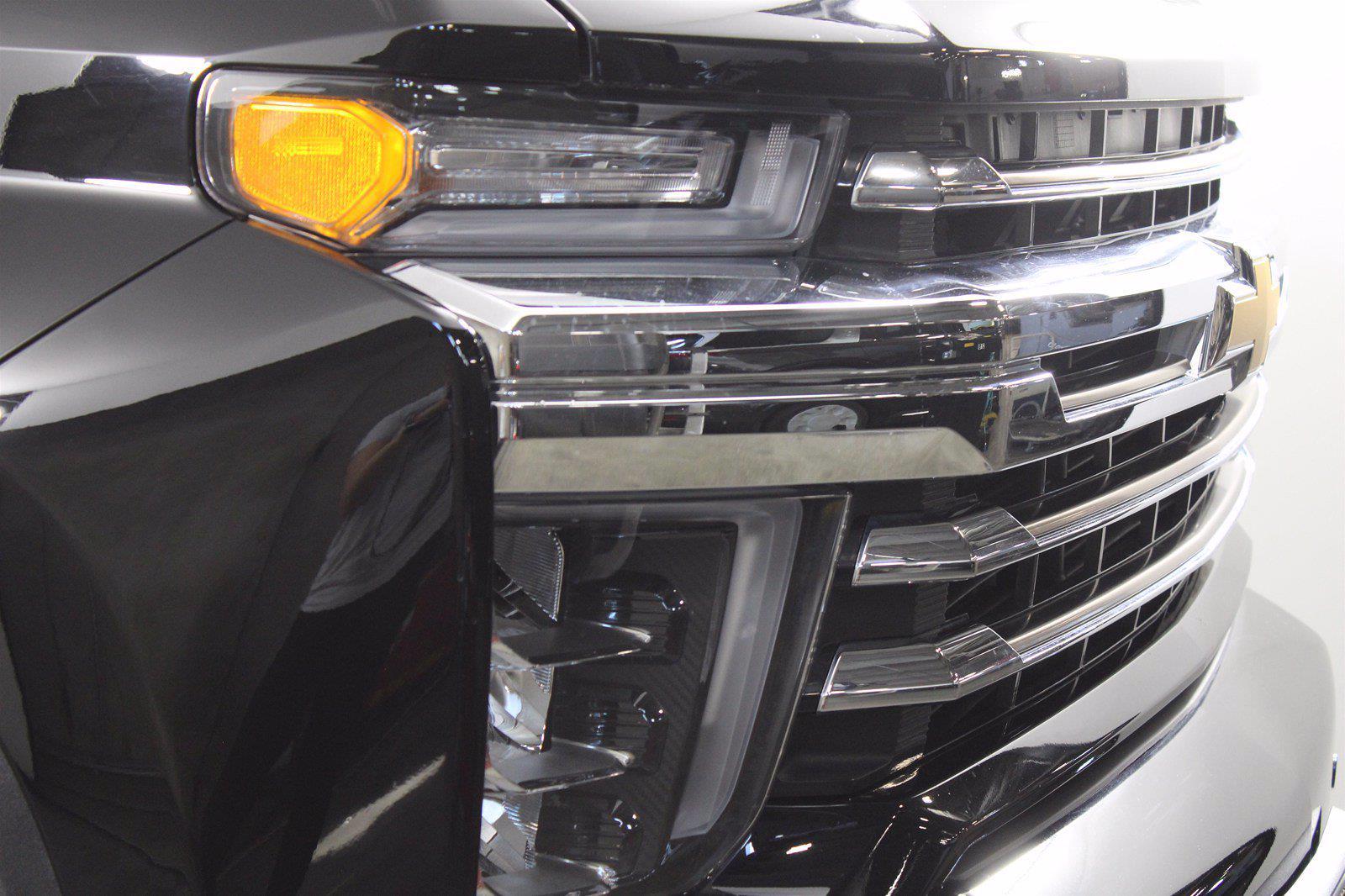 2020 Chevrolet Silverado 3500 Crew Cab 4x4, Pickup #DAZ0607 - photo 14
