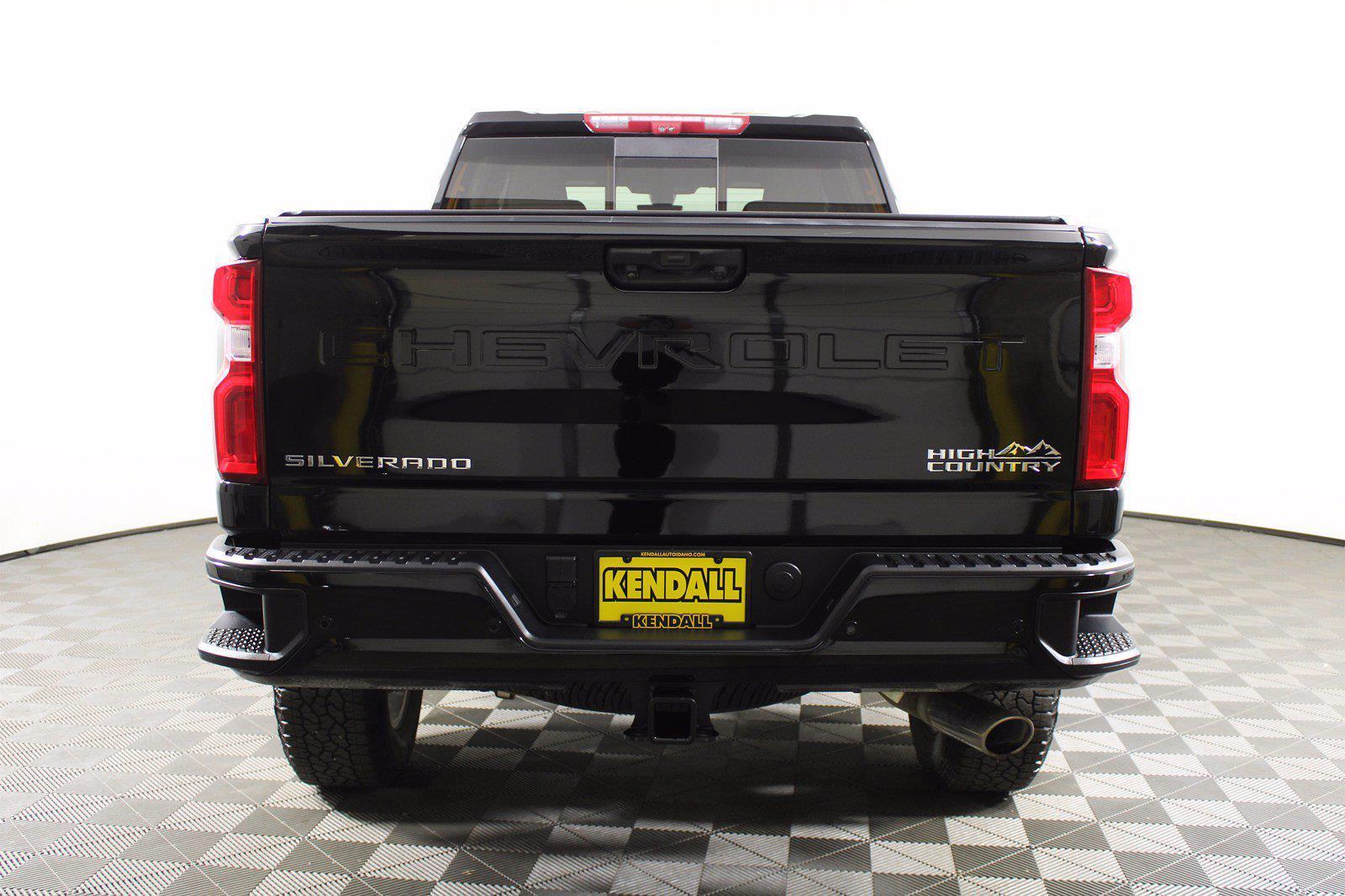2020 Chevrolet Silverado 3500 Crew Cab 4x4, Pickup #DAZ0607 - photo 16