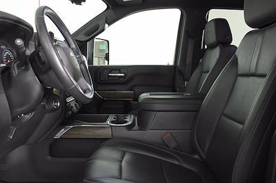 2020 Chevrolet Silverado 3500 Crew Cab 4x4, Pickup #DAZ0607 - photo 3