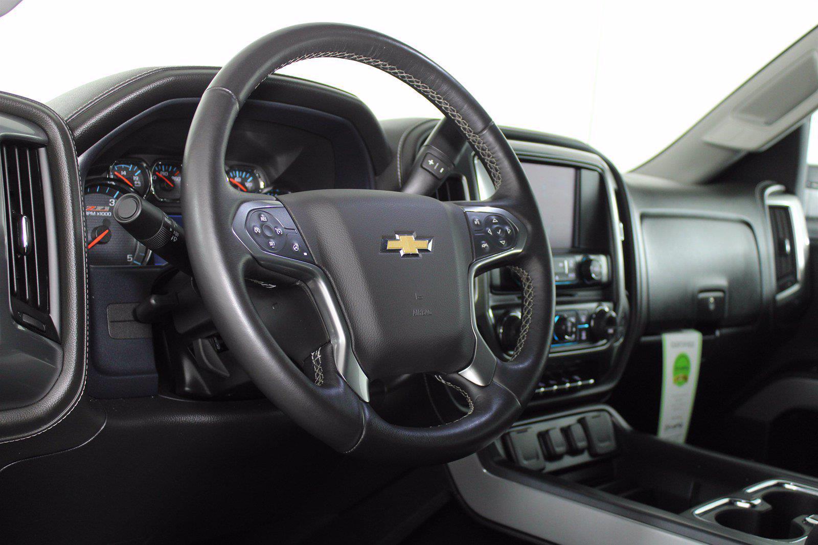 2015 Chevrolet Silverado 2500 Crew Cab 4x4, Pickup #DEW1268 - photo 8