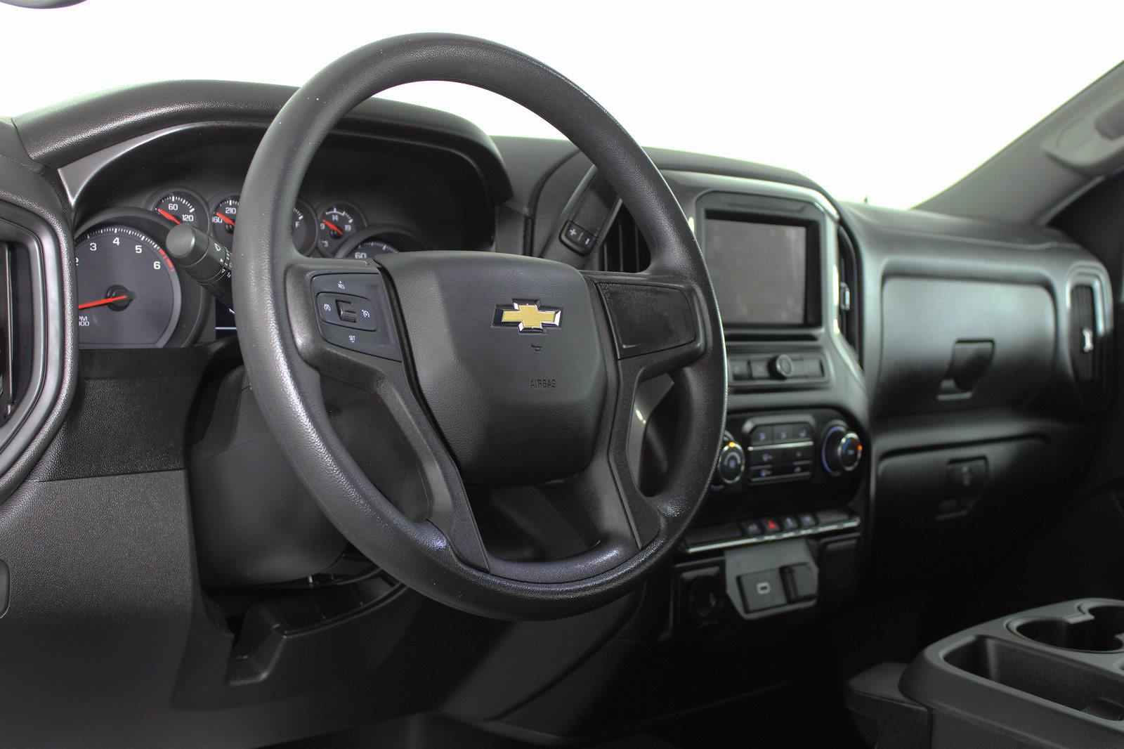 2020 Chevrolet Silverado 1500 Crew Cab 4x2, Pickup #DTC1616 - photo 4