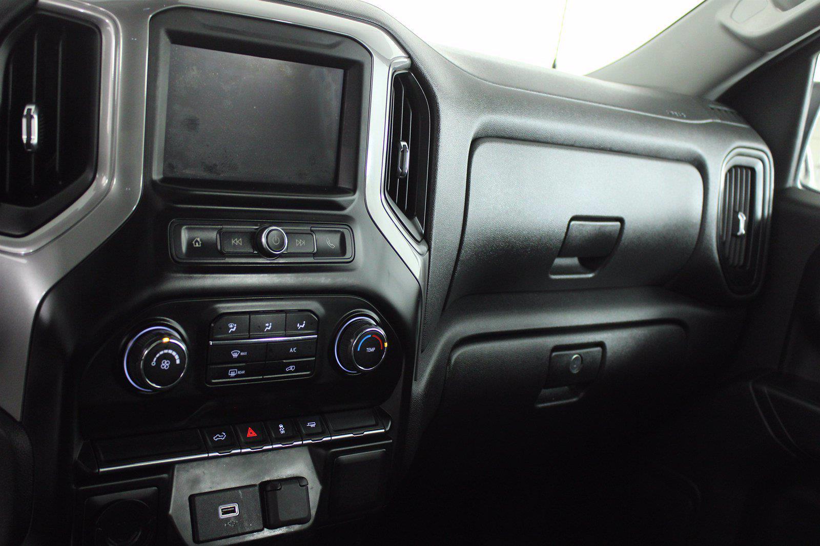 2020 Chevrolet Silverado 1500 Crew Cab 4x2, Pickup #DTC1616 - photo 9