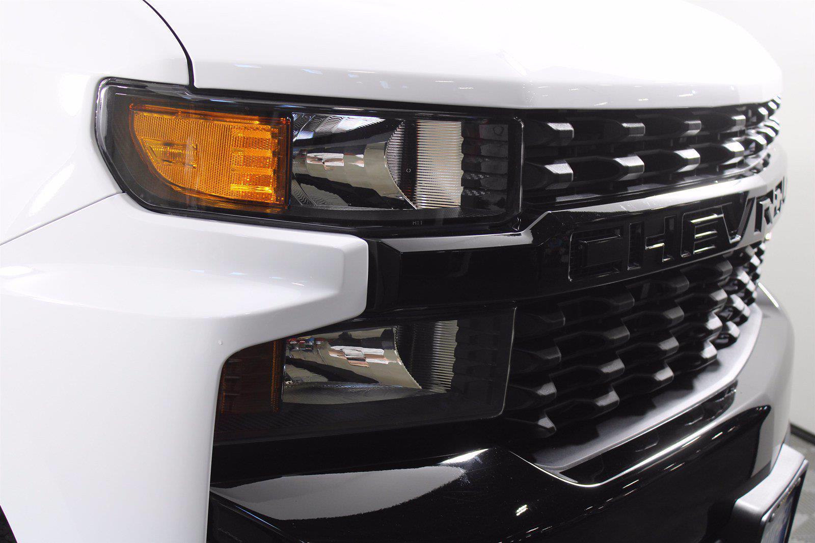 2020 Chevrolet Silverado 1500 Crew Cab 4x4, Pickup #DTC1713 - photo 2