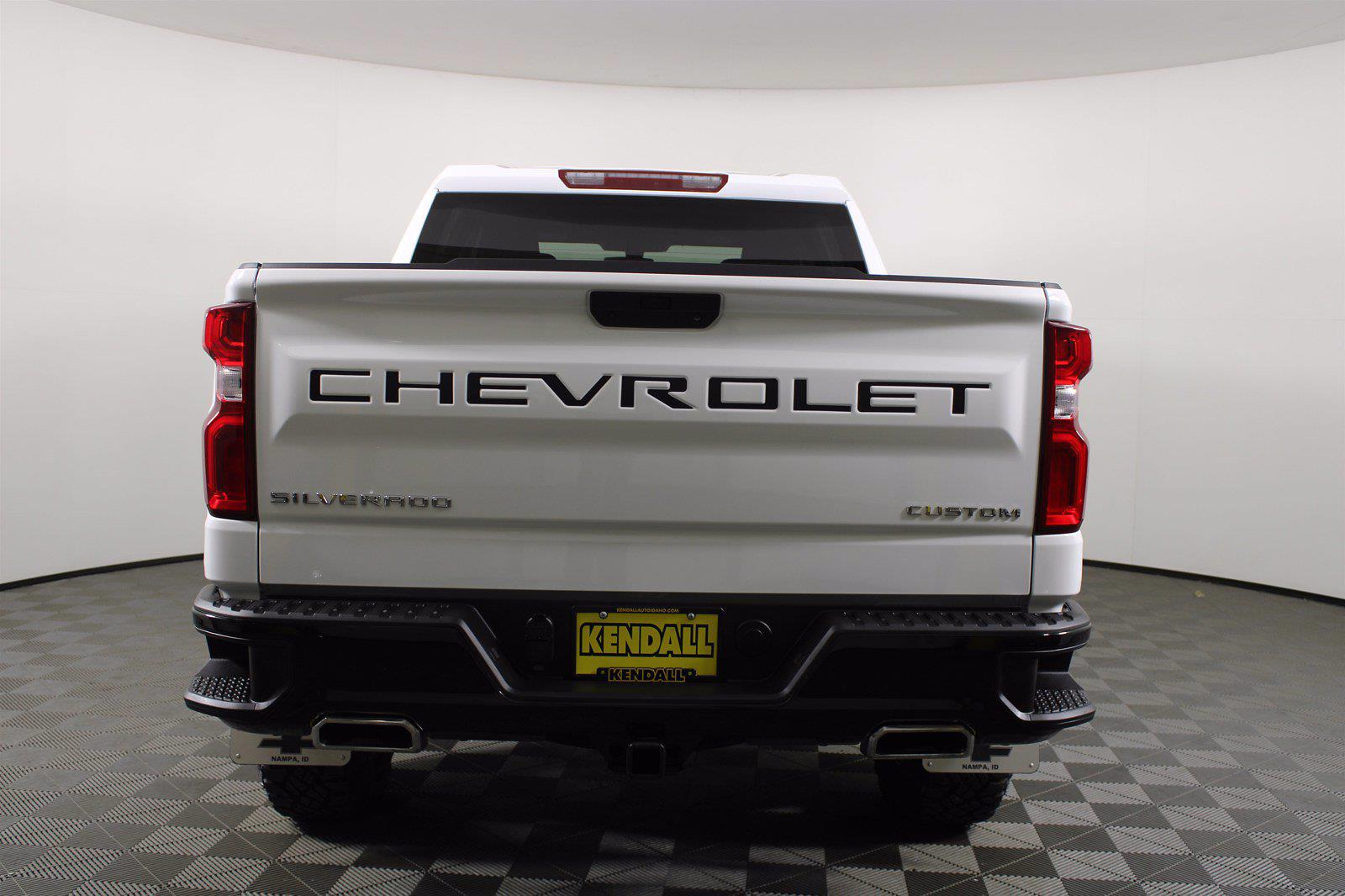 2020 Chevrolet Silverado 1500 Crew Cab 4x4, Pickup #DTC1713 - photo 3