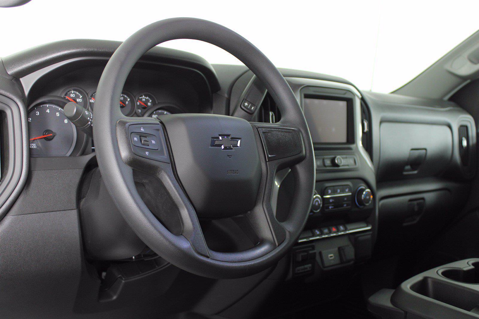 2020 Chevrolet Silverado 1500 Crew Cab 4x4, Pickup #DTC1713 - photo 5