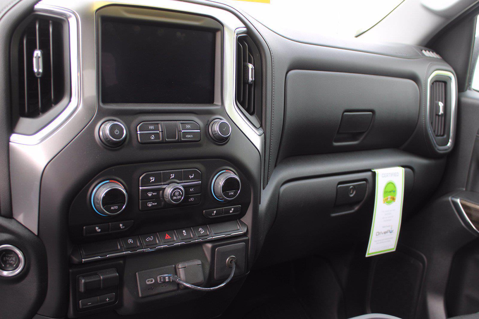 2019 Chevrolet Silverado 1500 Double Cab 4x4, Pickup #DTC1920 - photo 3