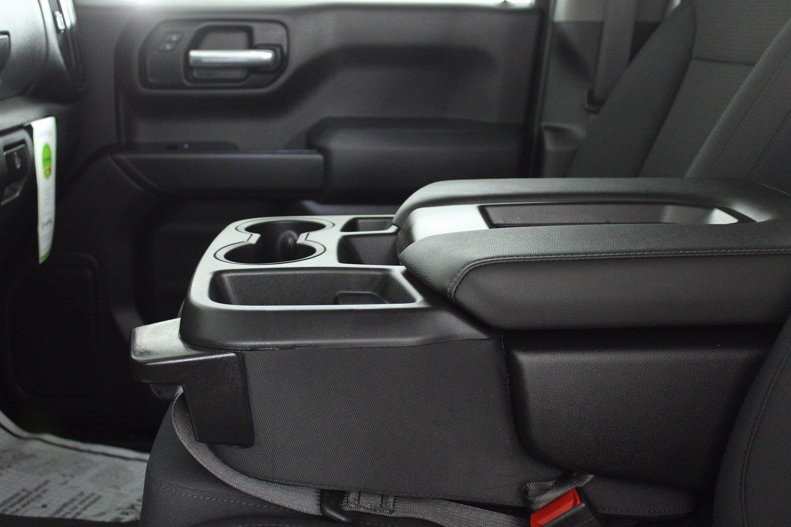 2020 Chevrolet Silverado 1500 Crew Cab 4x4, Pickup #DU90938 - photo 7