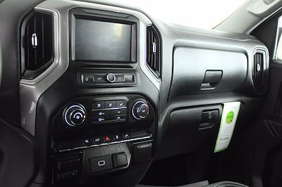 2020 Chevrolet Silverado 1500 Crew Cab 4x4, Pickup #DU90938 - photo 5