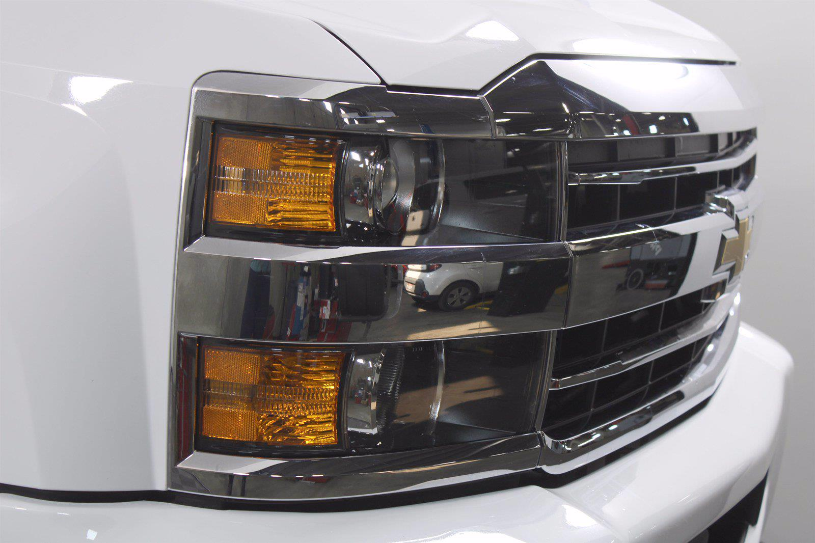 2018 Chevrolet Silverado 3500 Crew Cab 4x4, Pickup #DU90958 - photo 1