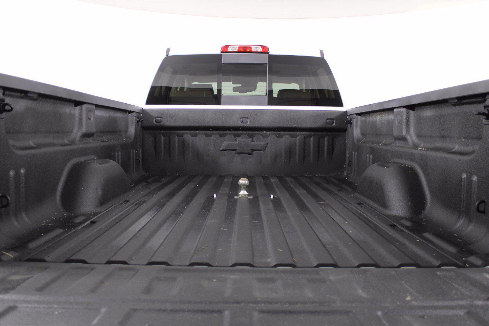 2018 Chevrolet Silverado 3500 Crew Cab 4x4, Pickup #DU90958 - photo 3