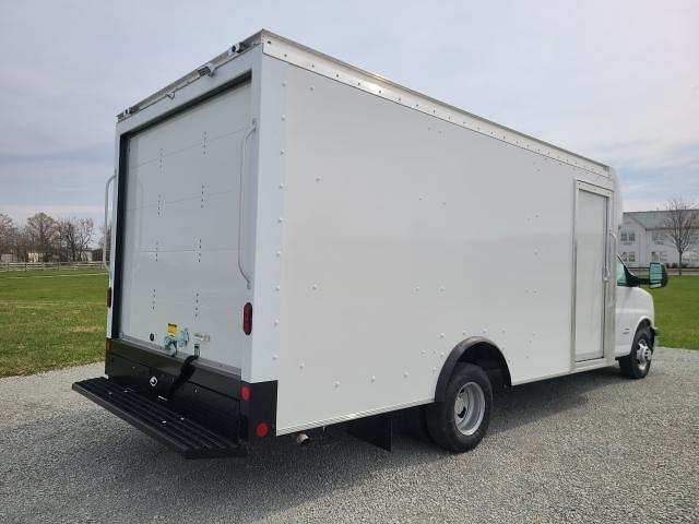 2021 Chevrolet Express 4500 DRW 4x2, Rockport Cutaway Van #4251050 - photo 1