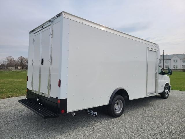 2021 Chevrolet Express 4500 DRW 4x2, Rockport Cutaway Van #4251052 - photo 1