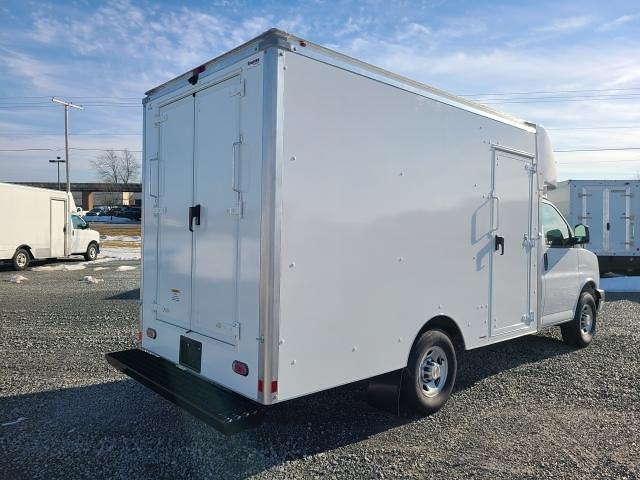 2021 Chevrolet Express 3500 4x2, Supreme Cutaway Van #4251159 - photo 1