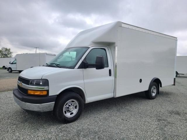 2021 Chevrolet Express 3500 4x2, Rockport Cutaway Van #4251224 - photo 1