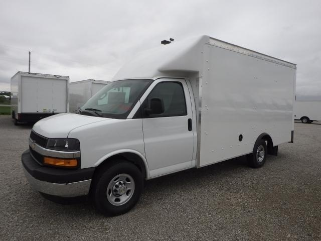 2019 Chevrolet Express 3500 4x2, Rockport Cutaway Van #4259622 - photo 1